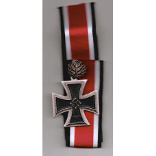WW2 German Knight's Cross with Oak Leaves Cluster